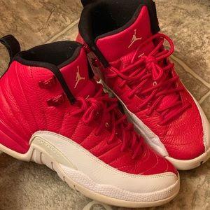 Jordan retro12 size4.5y